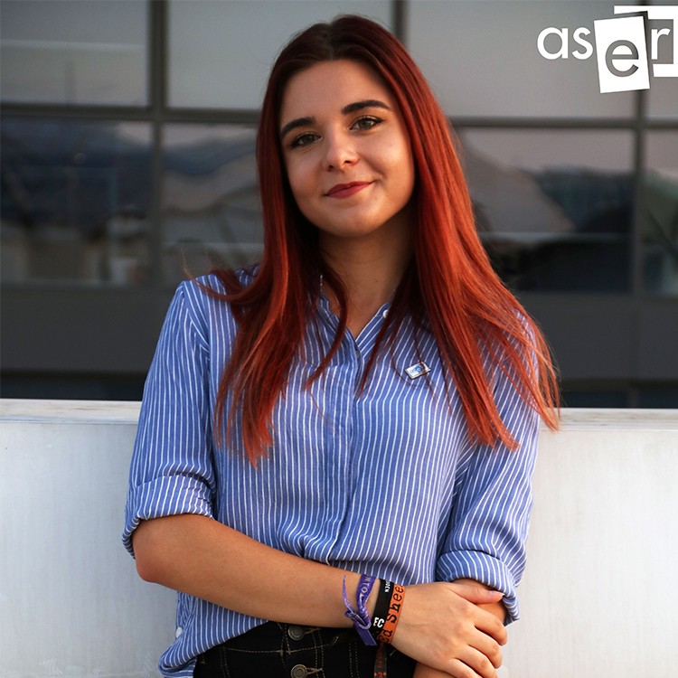Ana Pogonariu - proiect online despre marketing
